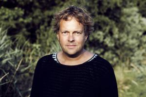 Autor im Grünen